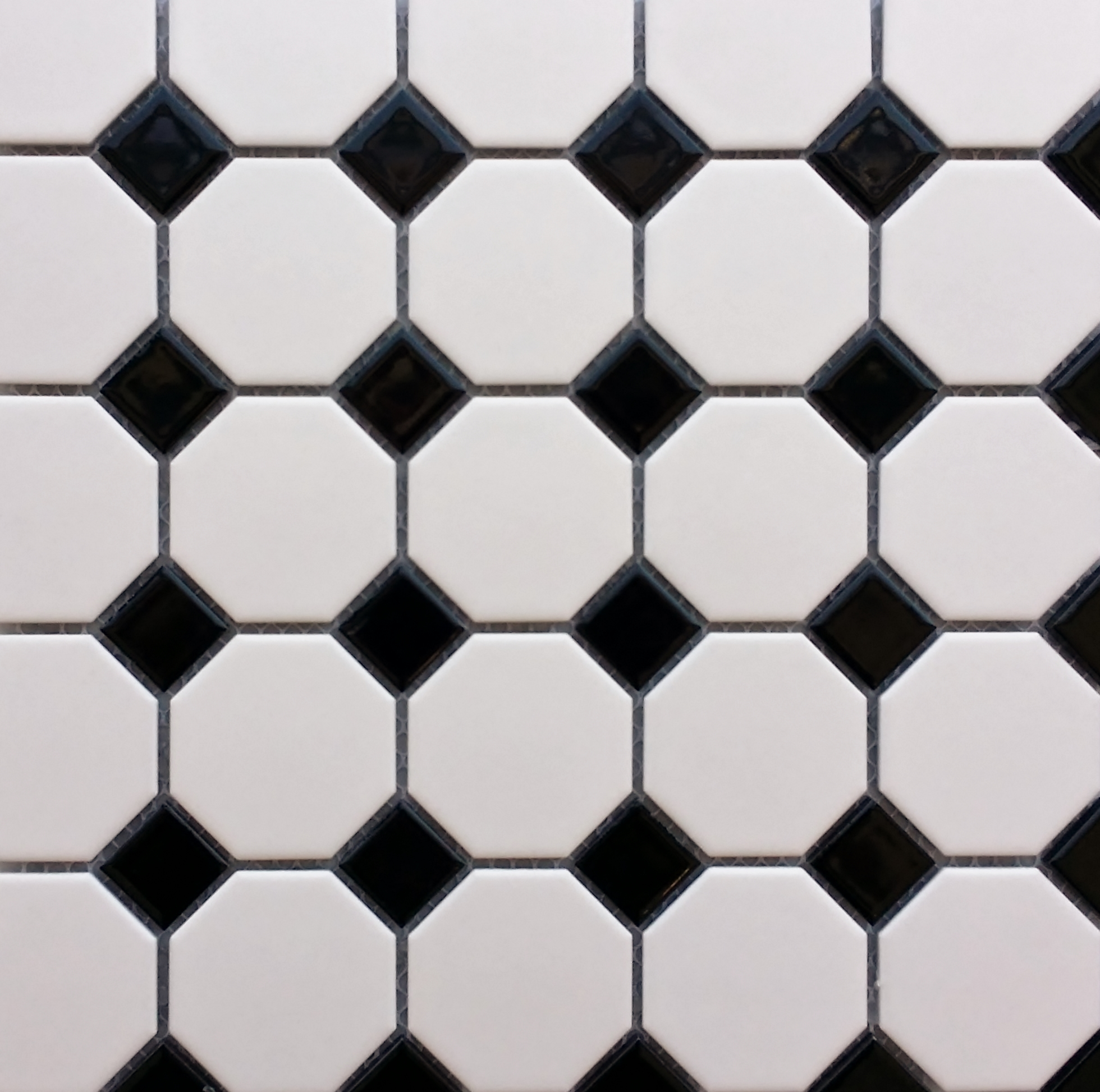 Black White Tiles Pudlo